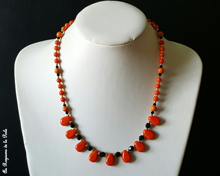 collier-orange-et-noir-halloween-a